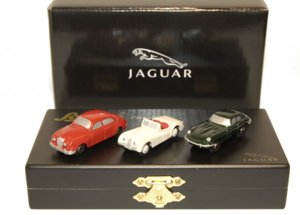 "Set ""Jaguar Legandary Model Cars"""