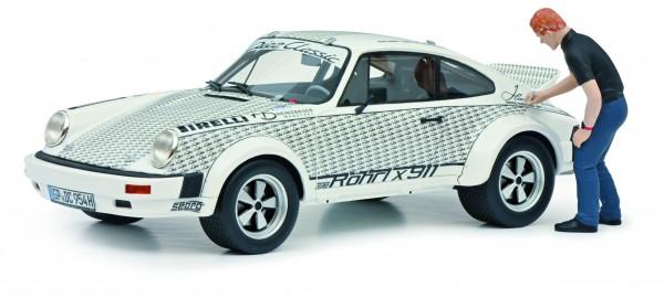"""Porsche 911 """"Röhrl x 911"""" mit Figur Walter Röhrl"""