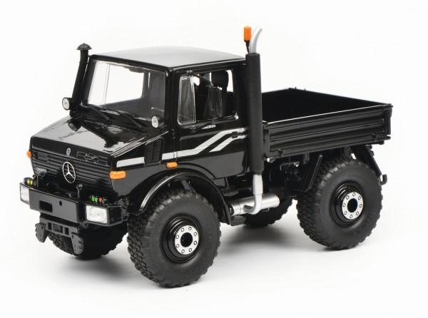 Mercedes-Benz Unimog U1600, schwarz