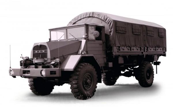LKW 5 t gl (MAN 630 L2AE) Pritsche-Plane