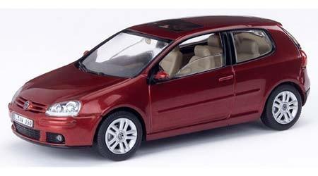 VW Golf V, red spice metallic